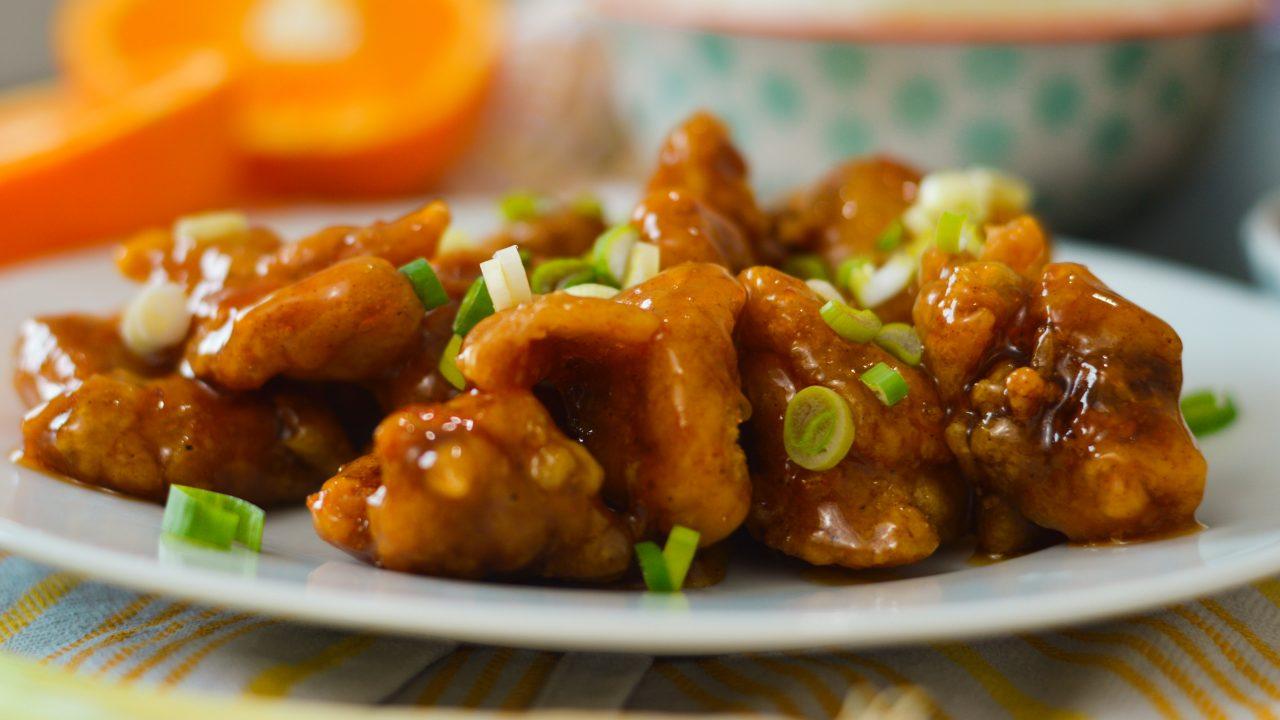 Rezept für knuspriges Orange Chicken ohne Frittieren | www.dearlicious.com