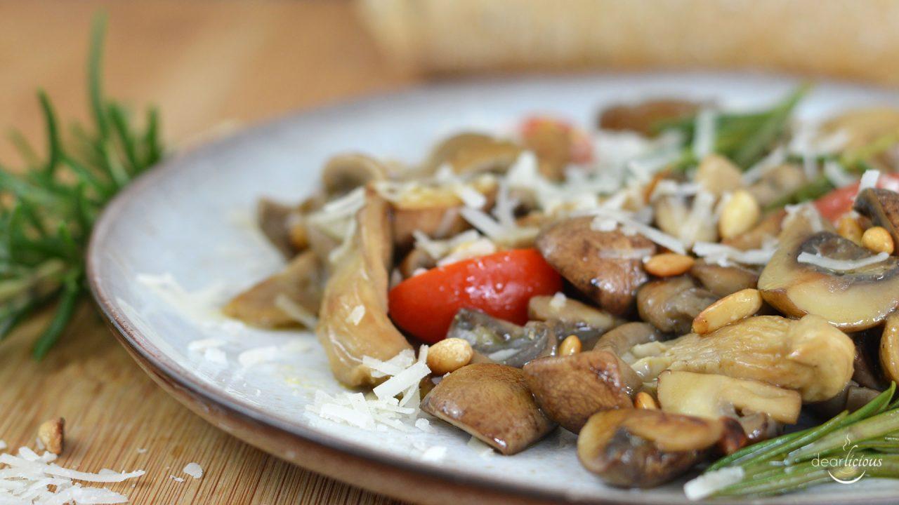 Rezept für Pilzsalat mit Rosmarin und Parmesan | www.dearlicious.com