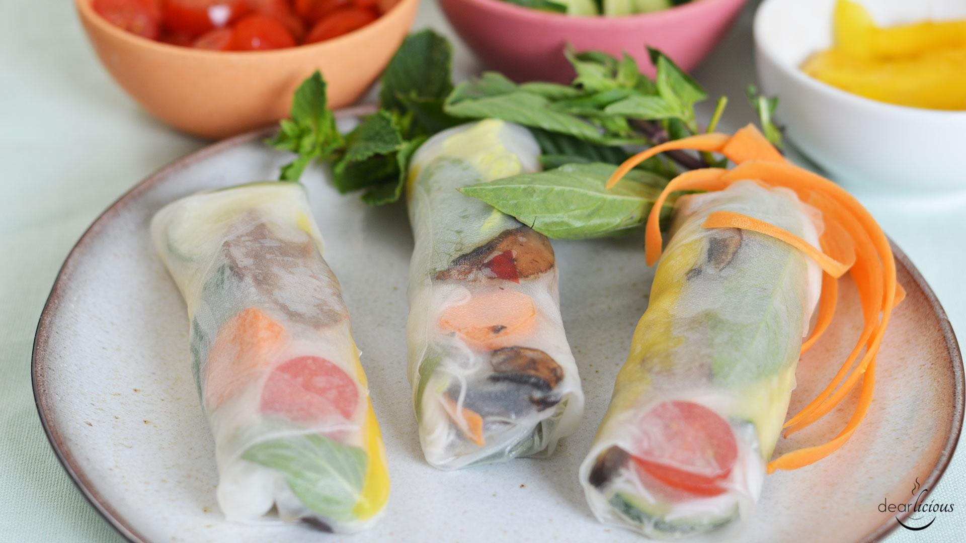 Rezept für Sommerrollen mit Ente und Mango und Hoisin-Sesam-Dip | www.dearlicious.com