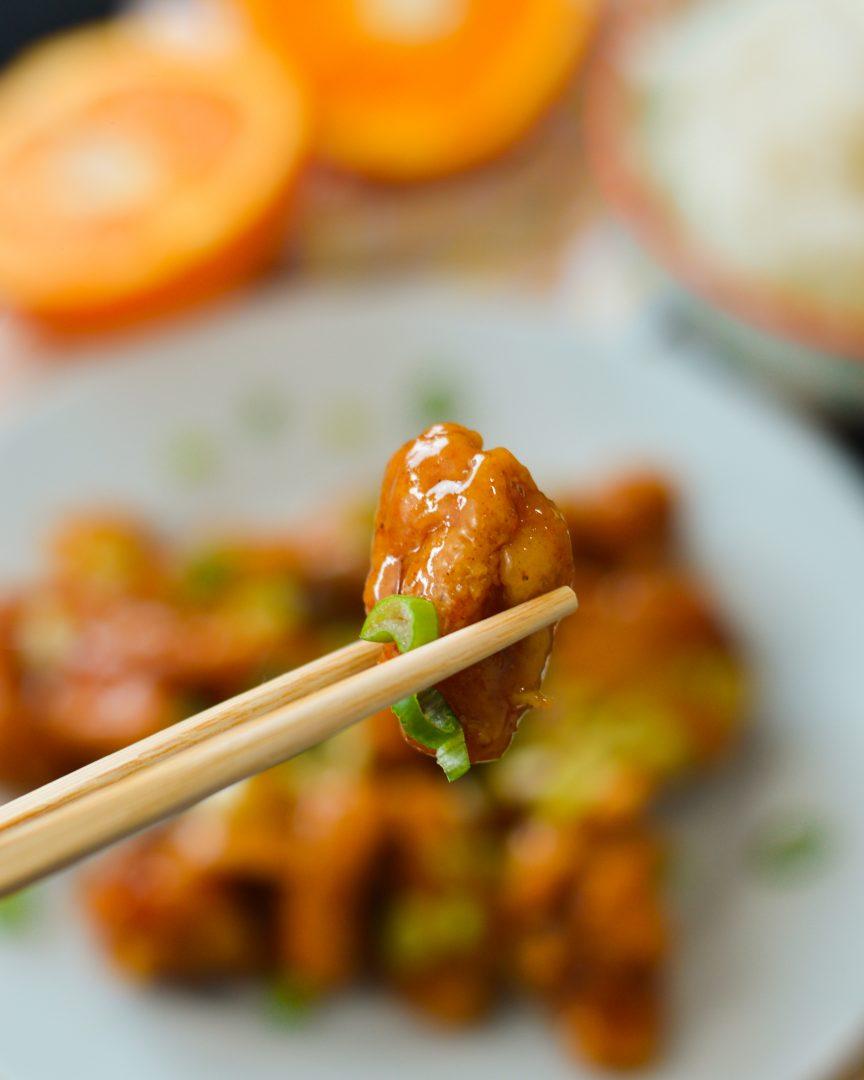 Rezept für knuspriges Orange Chicken ohne zu frittieren | www.dearlicious.com
