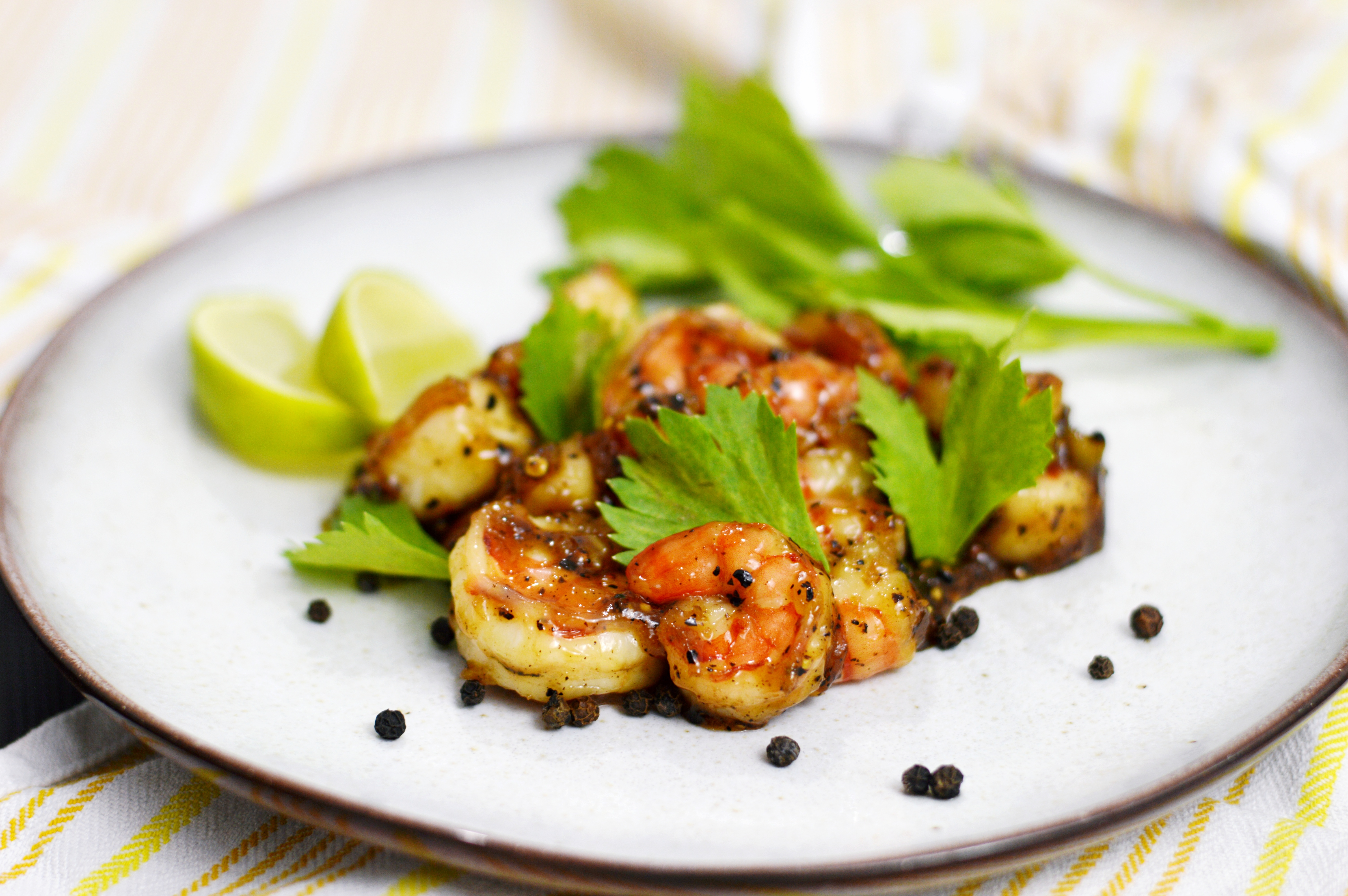 Rezept für karamellisierte Garnelen mit schwarzem Pfeffer | www.dearlicious.com