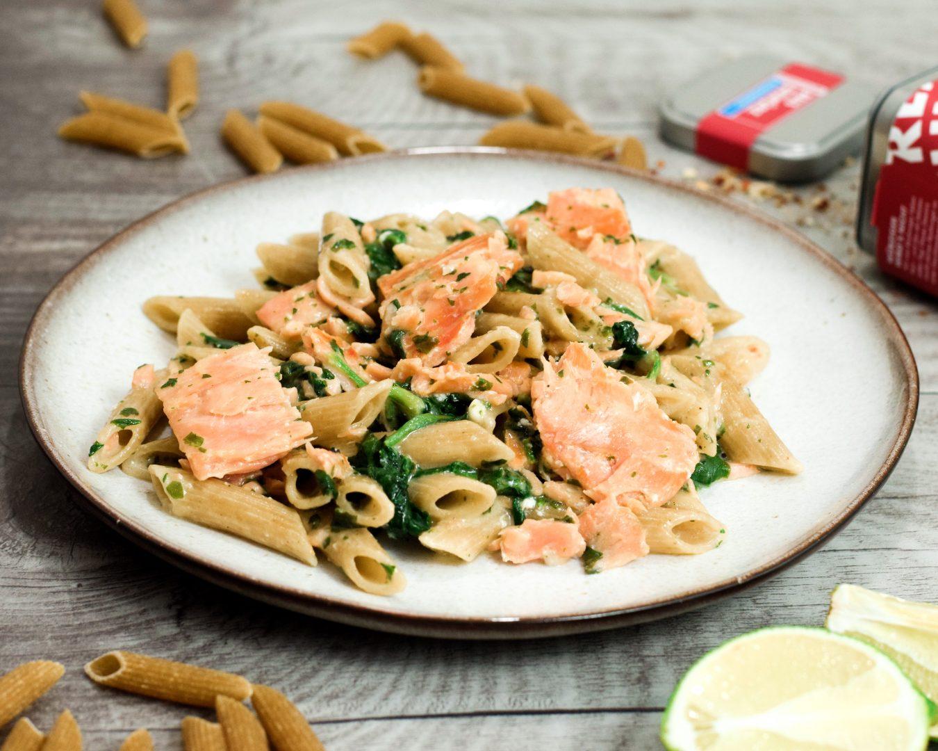 Rezept für One-Pot-Pasta mit Lachs und Spinat  | www.dearlicious.com